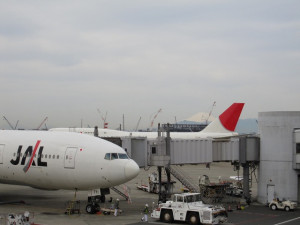 jal-domestic-first-hnd2fuk-003