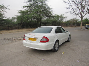 new-delhi-agra-car-008