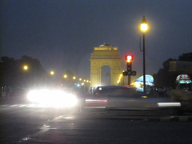 new-delhi-agra-car-009