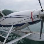アブダビからデザート アイランドへ 飛行機をチャーター