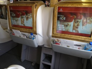 ek304-dxb2pvg-business-002