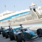 F1サーキットでF3000体験ドライビング アブダビ・ヤス マリーナ サーキット